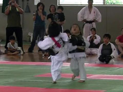 MOMO (5 years old)debut match